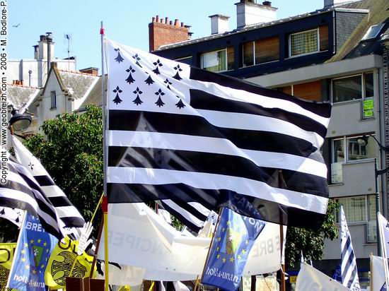 Drapeau breton agité